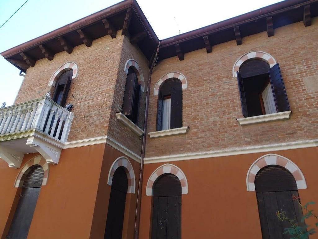Villa Liberty in vendita al lido di venezia de martino immobiliare